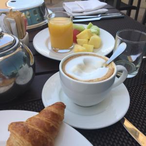 ドバイで朝食