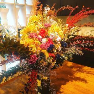 繊細さから生まれる装花の息吹
