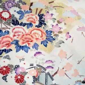 窓から見える裏山の桜が満開♡ピンクのドレス製作中♡