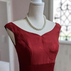 舞台映え間違い無しの真紅のドレス♡