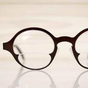 オシャレな二重焦点眼鏡