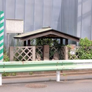 久我山病院前の民間信仰塔(杉並区久我山)