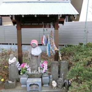 西野川の石仏群(狛江市西野川)
