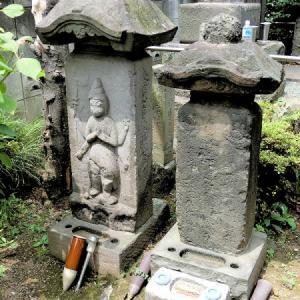 万福寺の石仏(板橋区弥生町)