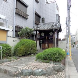 西蓮寺入口の庚申堂(北区志茂)