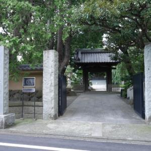 行善寺と境内の石仏(世田谷区瀬田)