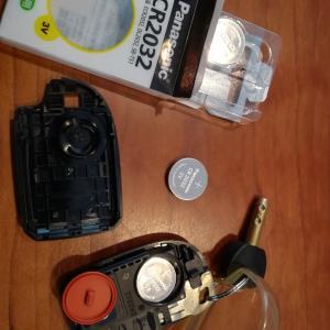ハイエース スマートキー電池交換