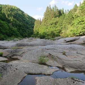 渓流で青空カフェ
