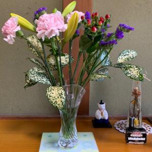 今日のお花から、盛りだくさんでババババーーーン!といきます!