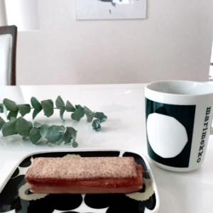長女のお土産でオウチカフェ☆シンプルなマリメッコ 70周年記念マグ