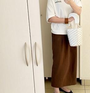 【コーデ】 今を逃したら着なくなるスウェット+秋カラーのペンシルスカート