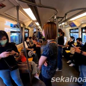 【バンコクウォッチング】今のバンコク,BTSに乗るとこんな状態・・・マスクの着用は義務になってる。!?