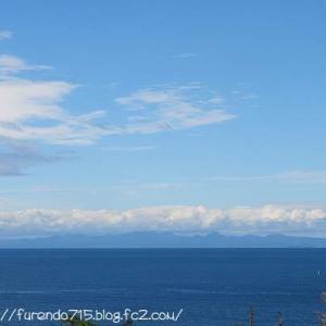 ある日の青い海と白いヨットに秋を感じて・・・♪