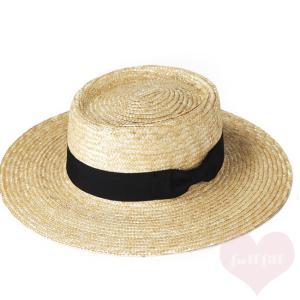 ツバ広の麦わらポークパイ帽