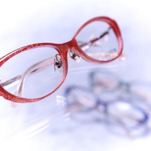40歳、50歳からのメガネの選び方 〜老眼かも! 〜