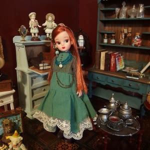 復刻リカちゃんお人形教室DX赤茶にTIROLさんのワンピース