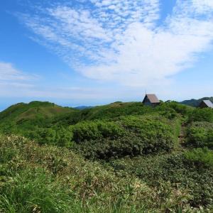白神岳(静かな山頂)