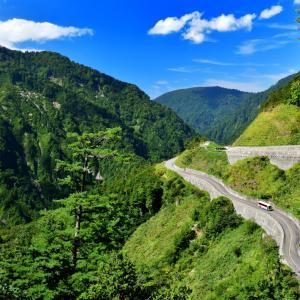 翡翠色の大自然が織りなす白山白川郷ホワイトロード  石川県側代表の2大大滝 まったりトレッキング日記