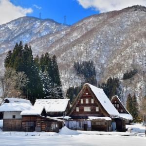 ようやく見る事の出来た北陸の冬景色   銀世界に包まれた菅沼合掌造り集落