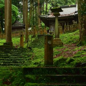 一度荒廃した山中温泉を再興された偉人を祀る長谷部(はせべ)神社