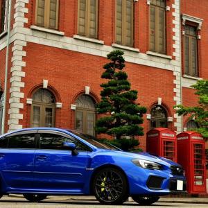 まるで欧風の街並みのような赤レンガの博物館で愛車撮影