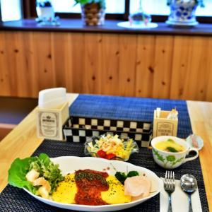 オムライスの町でみつけた小さなオムライス専門店 「オムライスカフェ 和華(わっか)」の特製トマトソースのオムライスを食べてきました~(*'▽')♪