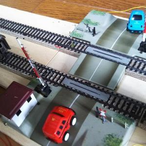 ARニュース イタリア急行列車脱線転覆台車崩壊