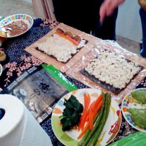 Clase de cocina vegana  Sushi ヴィーガンスシは簡単