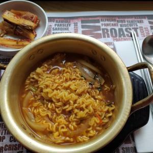 レトロな韓国レストランはお袋の味
