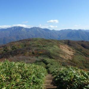 紅葉ハイク 赤兎山(1628m)