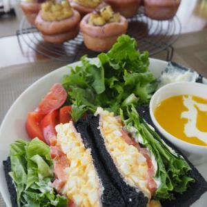 今日の竹炭食パン&スィートポテトディッシュのレッスンは自由参加