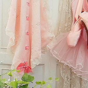 ★☆ 花かご刺繍 ピンクのリボン通し レディのおひざ掛け  ★☆