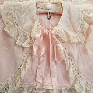 ★☆ 花刺繍 ピンクリボンのベビーボレロ ★☆