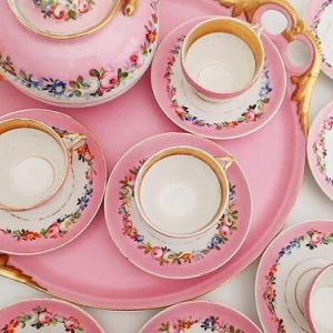 ★☆ オールドパリポーセリン ポンパドールピンクの薔薇花紋ティーセット ★☆