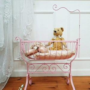 ★☆ ゆらゆら揺れるピンクのドールコット ★☆