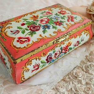 ★☆ 薔薇とお花のチョコレートボックス缶 ★☆