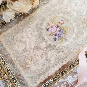 ★☆ リボン装飾 プティポワン刺繍 ガラストレイ ★☆
