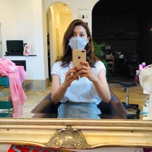スモーキーアッシュに髪を染めた日。
