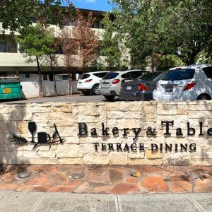 オシャレカフェーで友人とランチ@Bakery & Table