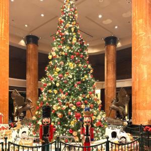 華やかなウエスティンホテルのクリスマス・デコレーション