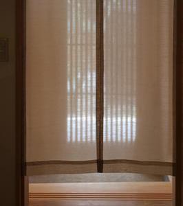 透ける布、暖簾の風情