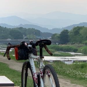 今日は やっぱりグラベルロード 「ルイガノ号」 ~賀茂川ちょいグラベルの夕涼み~