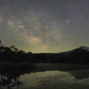 鳥海山のある風景(夜の冬師湿原・花立付近)