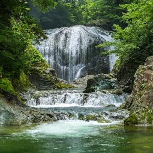 関山大滝(山形県東根市)
