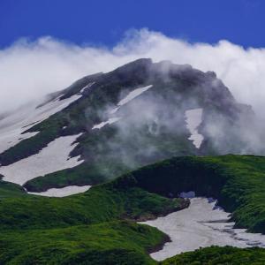 鳥海山のある風景(秡川と8合目あたりまで)