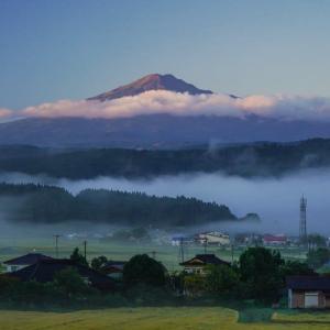 鳥海山のある風景(由利町付近)