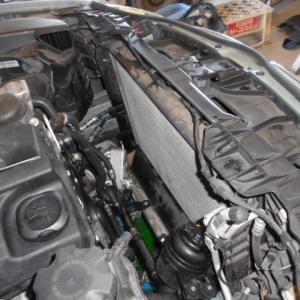 BMW ラジエータ液漏れ