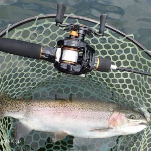 嵐山FAで管釣り ベイトでクランキング