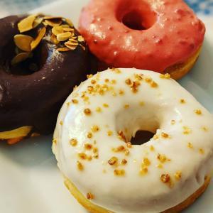 [週末だけ開店の映えなドーナツ屋さん]ドーナツもりでマリトッツオも♡