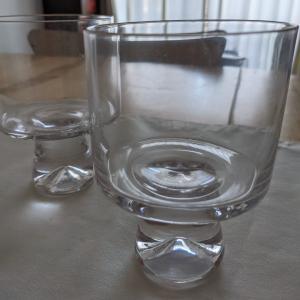 [可愛い透明な世界] パフェグラスにも冷奴にも!スリコの脚付きグラス